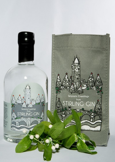 stirling-gin-with-mistletoe
